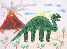高雄市曉明幼兒園大班的張翊辰,創作《環保恐龍世代》